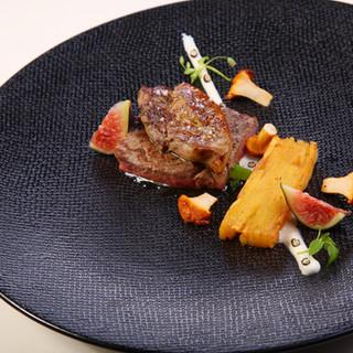 Faux-filet / foie gras / millefeuille de pomme de terre