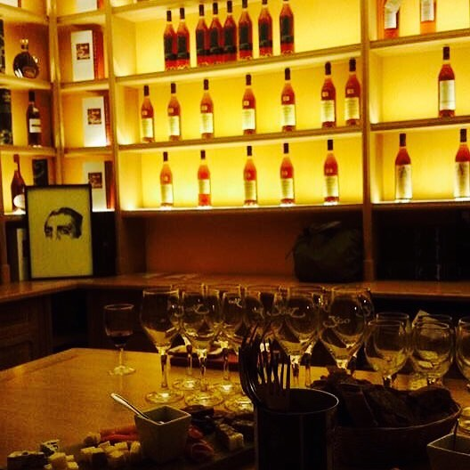 Winetasting avec Oenoparis_#oenoparis #winenot #wineart #winery #wine #winery #wine🍷 #wine🍷 #winestagram #winetasting #winelover #wineglass_