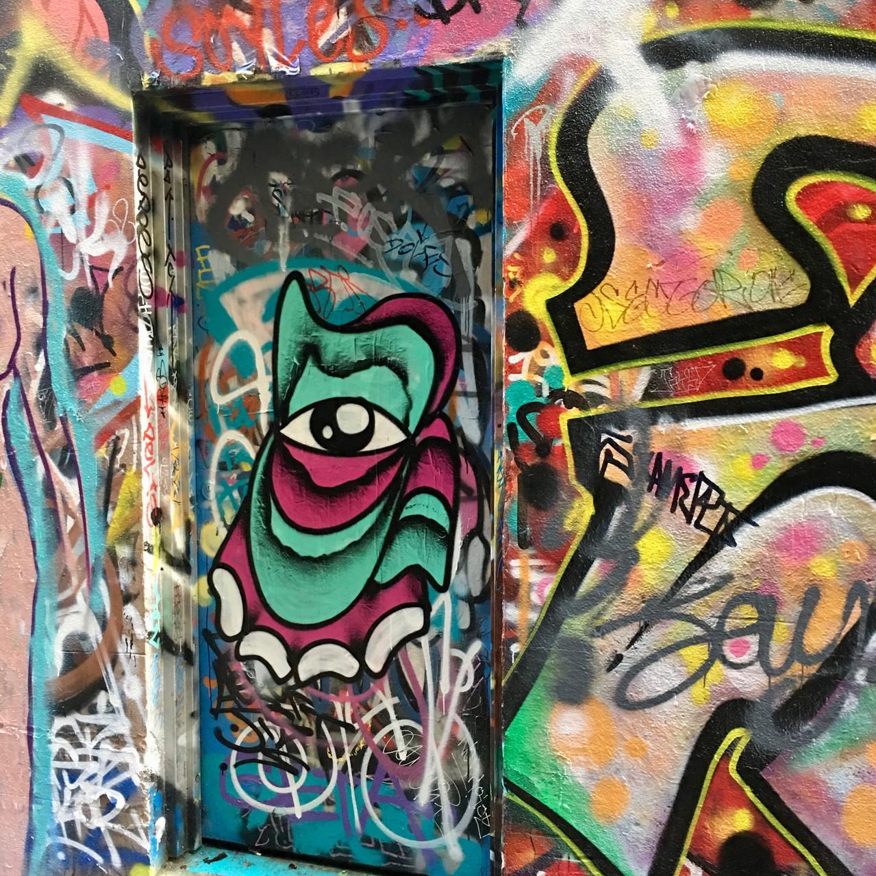 Close up | Graffiti art eyeball | Union Lane