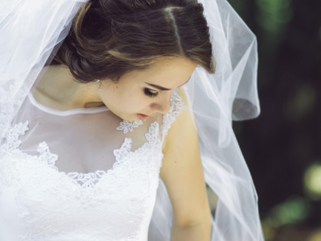 10 Bridal Makeup and Dresses Ideas in Spring Season