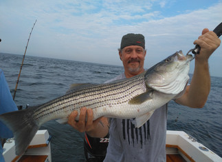 Still Some Keeper Stripers around,load of SeaBass 10 keepers today,40 Big Porgies
