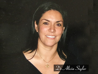 Thinking about a facelift in Tijuana? Send an email to Dr. Sigler at aliciasiglermd@gmail