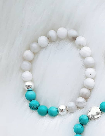 White Agate and Turquoise Howlite Bracelet