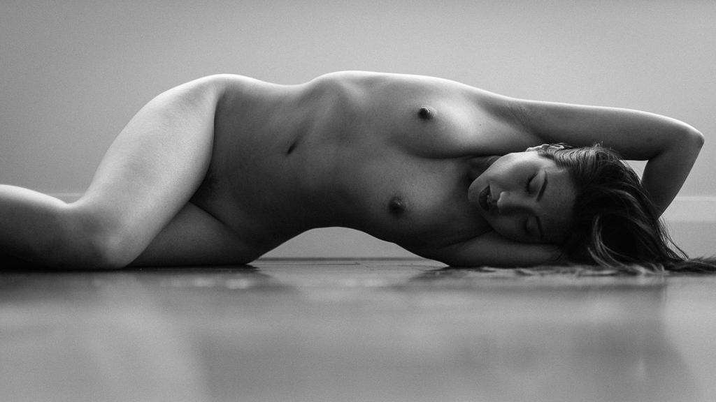 Monochrome art nude, no 9
