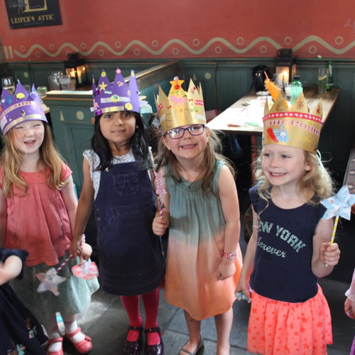 Crowns Party