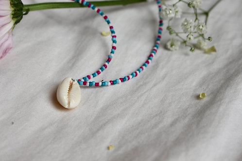 Dot to Dot Cowrie Necklace