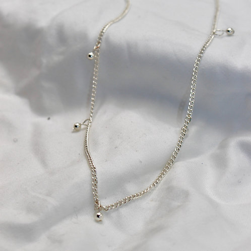 Dainty Dots Necklace