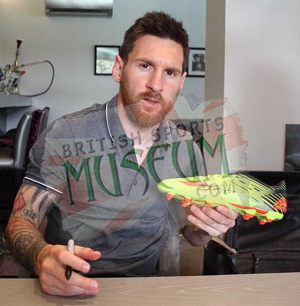 W-Lionel-Messi-Signed-British-Sports-Museum-Boot-R11