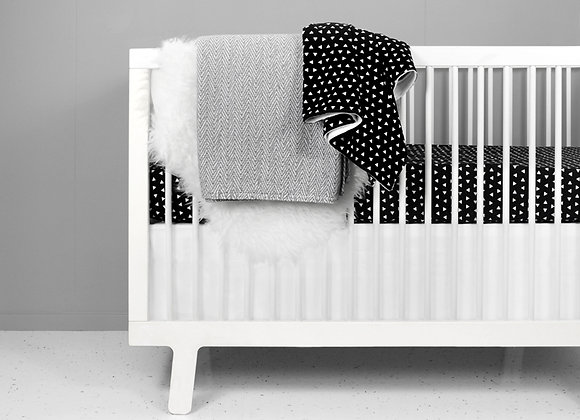 Black and White Triangle Crib Bedding Set