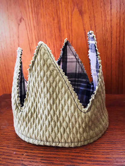 Green and Plaid Crown