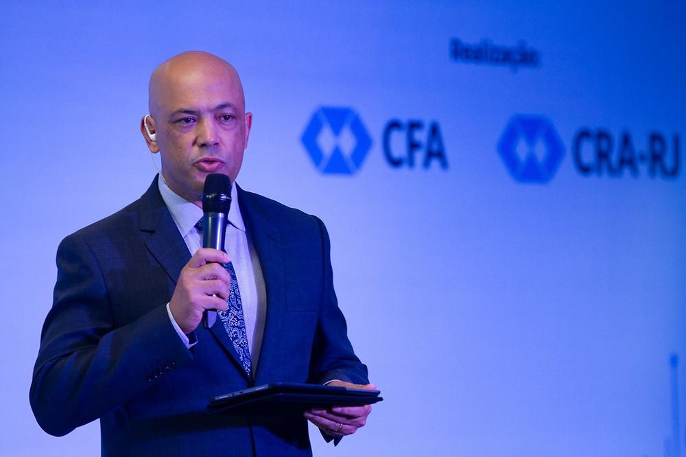 O jornalista Geraldo Fontoura foi o apresentador do XXVI Encontro Brasileiro de Administração - Enbra 2018