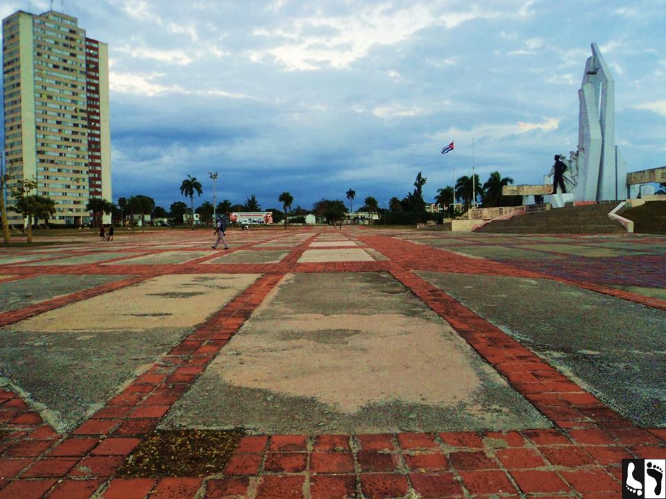 Todas as capitais de províncias de Cuba possuem uma praça chamada de Plaza de la Revolución, onde ocorrem festividades e onde normalmente há o busto de algum personagem histórico nascido ali perto; esta é a Plaza de Camaguey