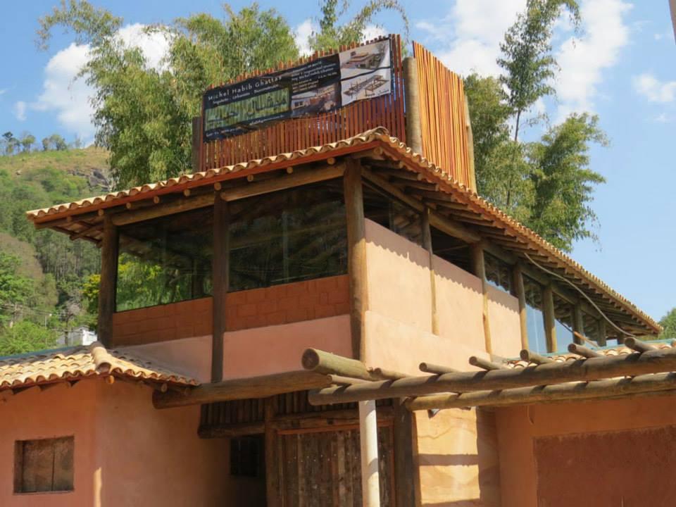 Exemplo atual de bioarquitetura. Casa em construção em Atibaia-SP, do arquiteto Michel Habib.