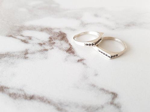 טבעת FLAT -כסף וזירקון שחור