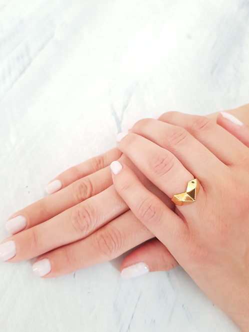 טבעת GEOMETRIC HEART- זהב וזירקון