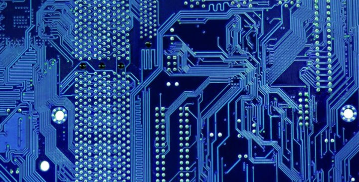 c_tein_-_fotolia_circuit_electrique.jpg