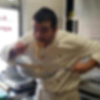 Massimo cuoco mangia pasta.jpg