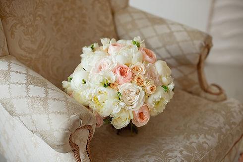 beautiful-flower-beige-pink-purple-roses