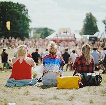 Meninas no festival de música