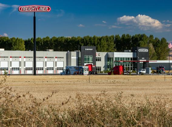 Warner Freightliner Dealership