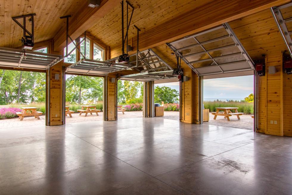 PRK 0159-03 Lake Erie Bluffs Lodge.jpg