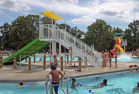 AQ 0093-43 Lincoln Park Family Aquatic C