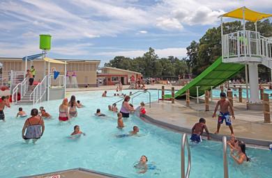 AQ 0093-45 Lincoln Park Family Aquatic C