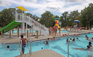 AQ 0093-44 Lincoln Park Family Aquatic C