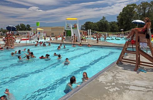 AQ 0093-32 Lincoln Park Family Aquatic C