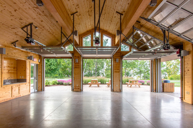 PRK 0159-02 Lake Erie Bluffs Lodge.jpg