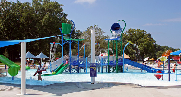 AQ 0109-08 Westlake Family Aquatic Cente