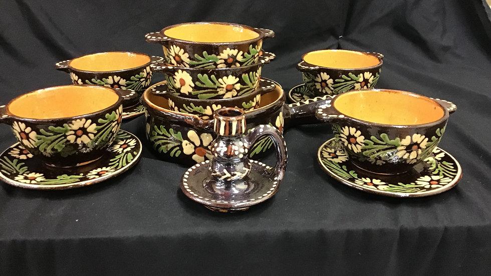 Decorative 18 piece pottery set