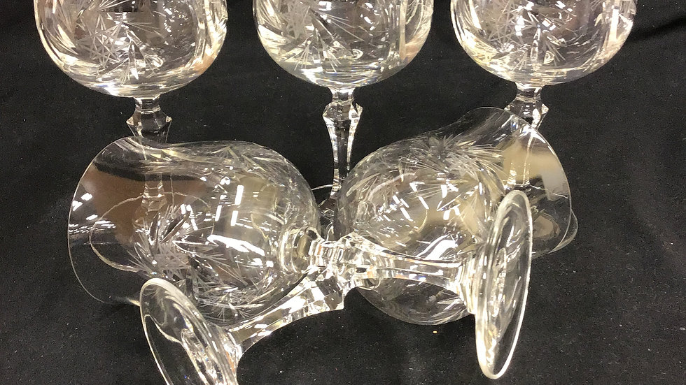 Set of 5 pinwheel crystal wine glasses