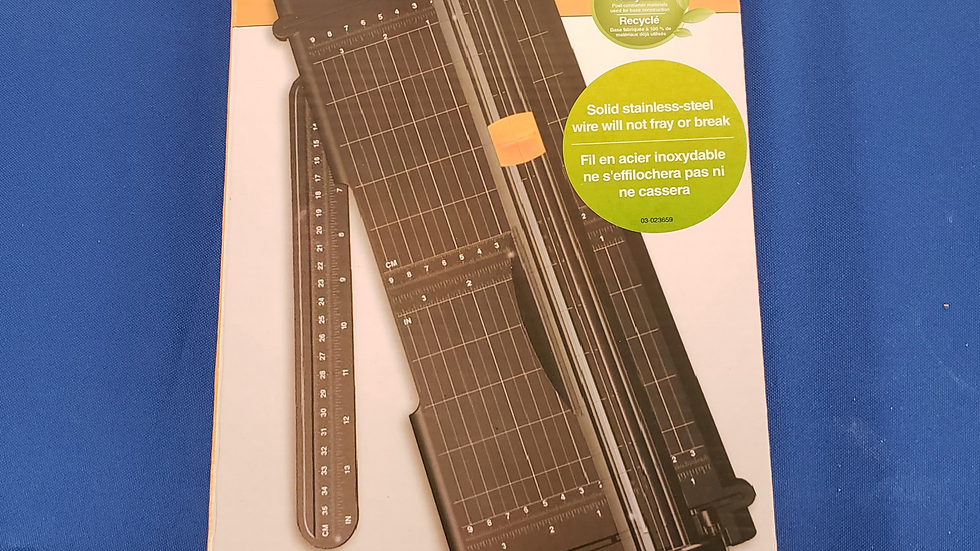 Fiskars  12 in/30 cm Portable sure cut paper trimmer NW