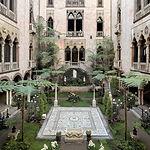 1920px-Courtyard,_Isabella_Stewart_Gardn
