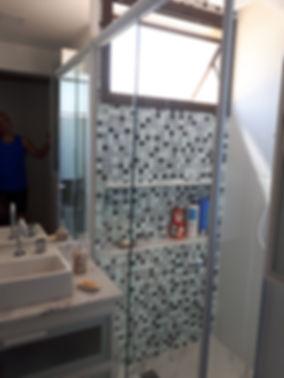 Banheiro social após a reforma