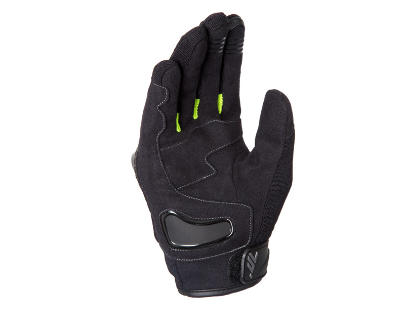 GLOVES WITH UNANIMOUS POSITIVE CRITICISMS Exterior in cowhide, synthetic leather and soft stretch fabric 100% waterproof WinterTex membrane Thinsulate-coated Polartherm lining Resistant to low temperatures Carbon protection on the knuckles Soft PVC protections on the fingers Amara leather reinforcements with PVC on the palm Spandex between the fingers for flexibility Adjustable wrist closure Fingers with reflective touchscreen fabric