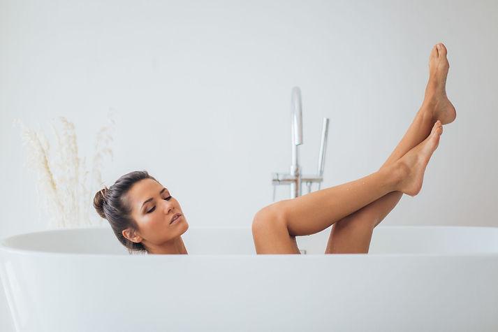 Kvinna-i-badkar-compressor.jpg