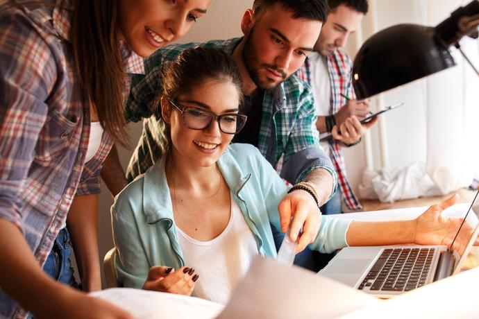 Comment réussir la délicate transition entre l'école obligatoire et la formation initiale ?