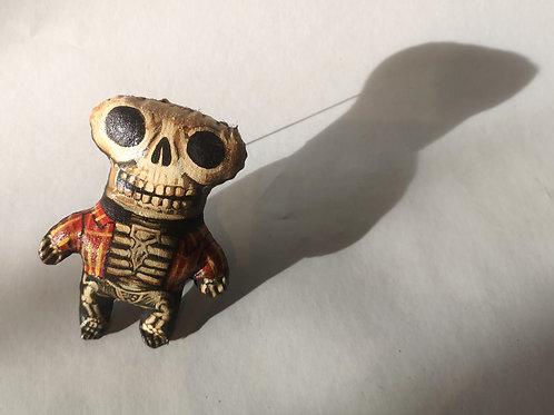 """Sophie Herniou, broche """"squelette à carreaux"""""""
