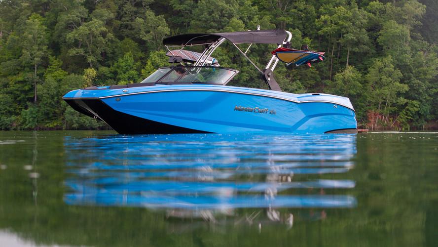 NXT24 Mastercraft Surf Boat 2021