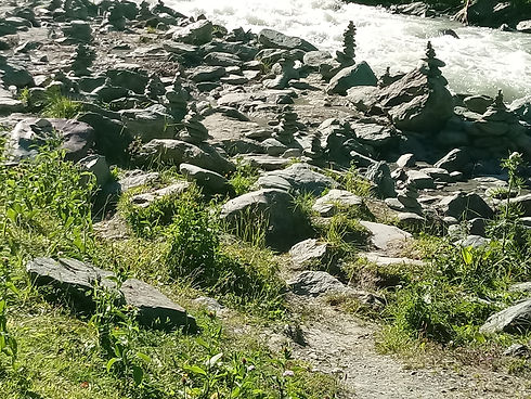 Steinmandeln bei den Umbalfällen 20200720.jpg