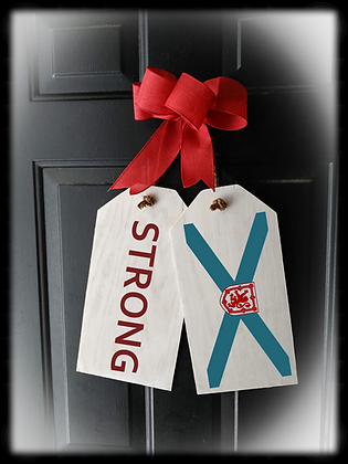 "Wooden project Door Tags ""STRONG / FLAG"""