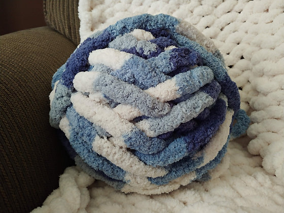 Chunky Blanket Yarn 1 Skein - Multi Blue/White