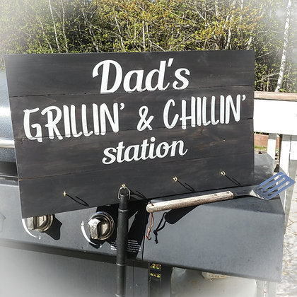 "Rustic wooden sign project ""Dads Grillin'   14x24 with 4 hooks"