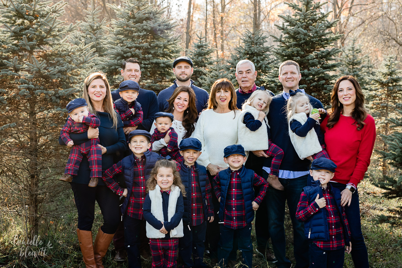 Extended Family Photos At Christmas Tree Farm