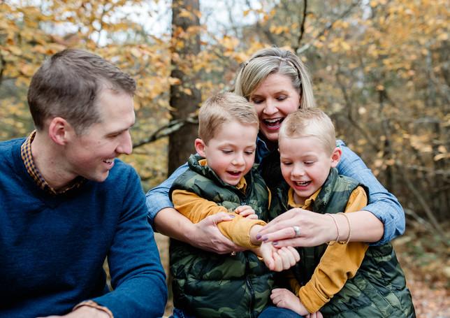 outdoor-fall-family-photos-butler-pa-dan