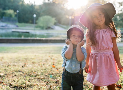 Choosing the Perfect Outfits for Family Photos