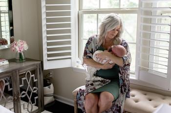 newborn-baby-boy-in-home-photo-shoot (3)