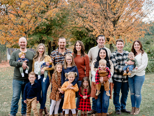 Family Photos at Round Hill Park | Elizabeth, PA